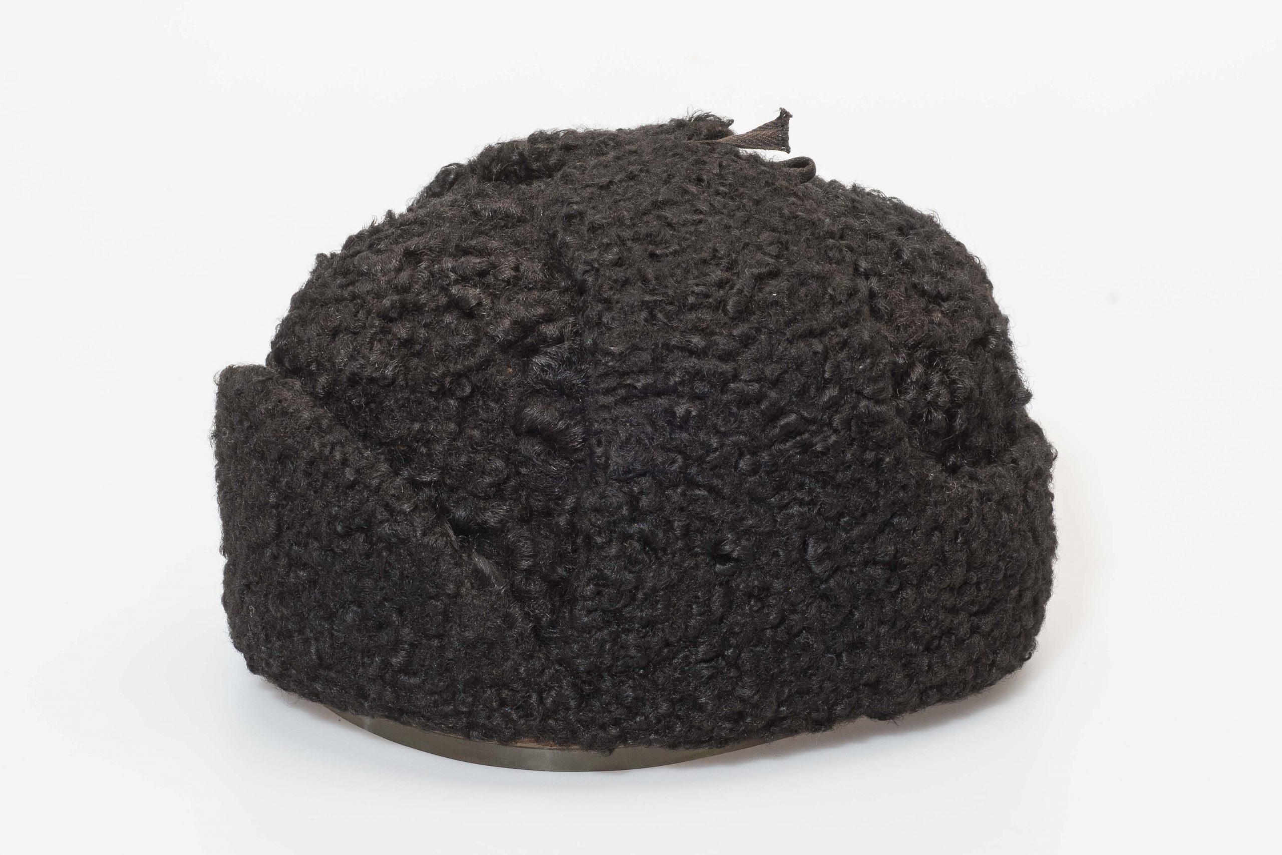 Шапка зимняя В.И. Ленина из черного каракуля с наушниками